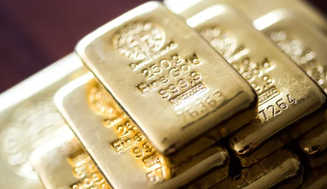 Russian National Wealth Fund Turning To Gold, Dumping Dollars